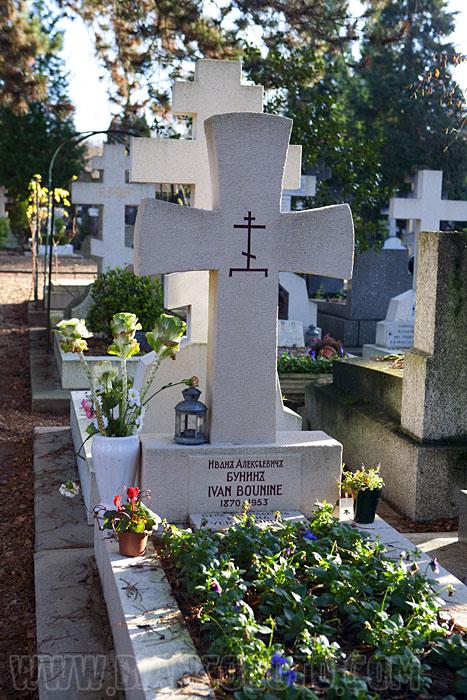 СентЖеневьевдеБуа русское кладбище